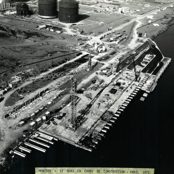 The construction of the liquefied natural gas terminal in 1971. Credit: NSNP.